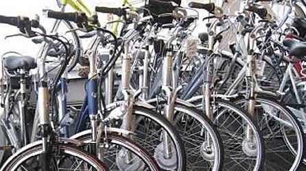 occasions, altijd genoeg jong gebruikte fietsen op voorraad